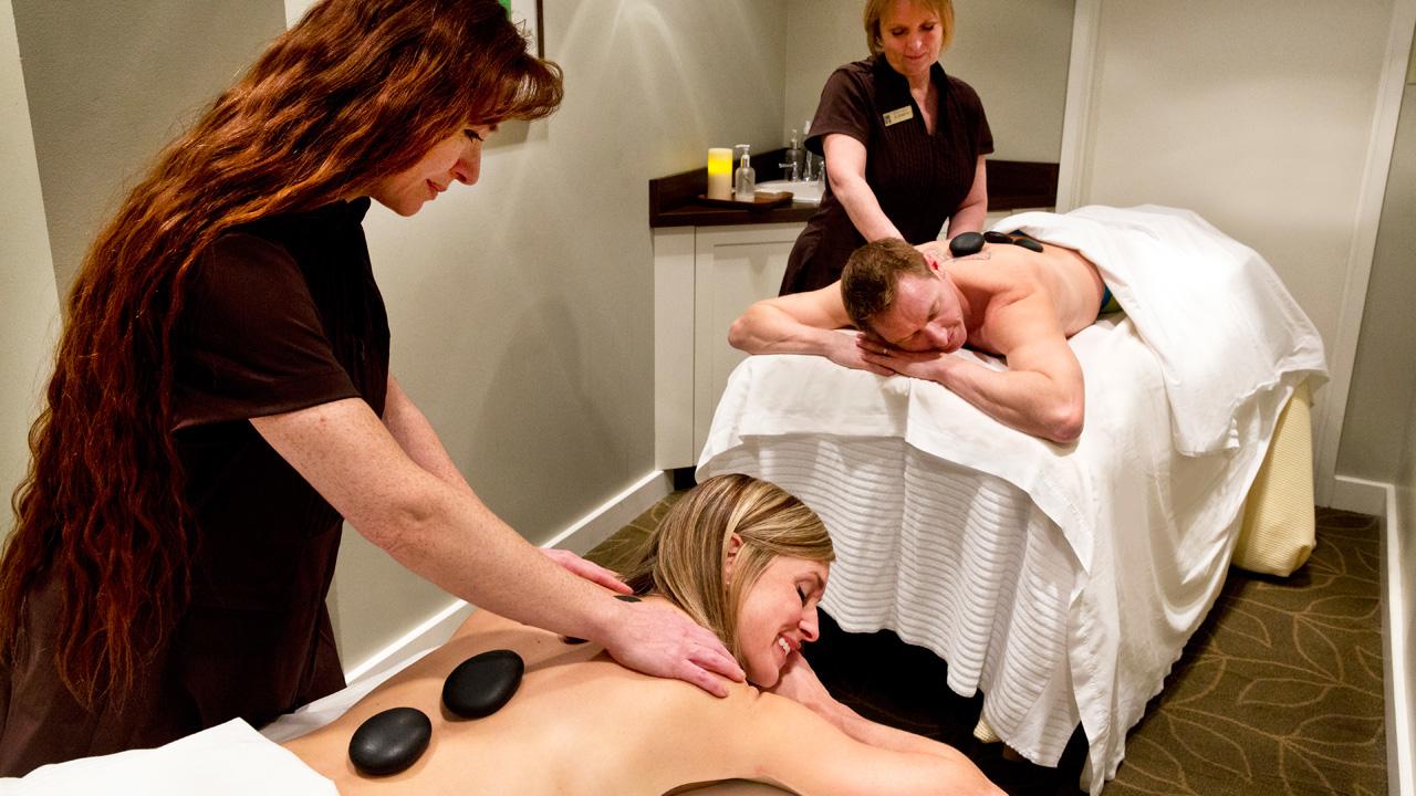 Deerhurst Resort couple's massage