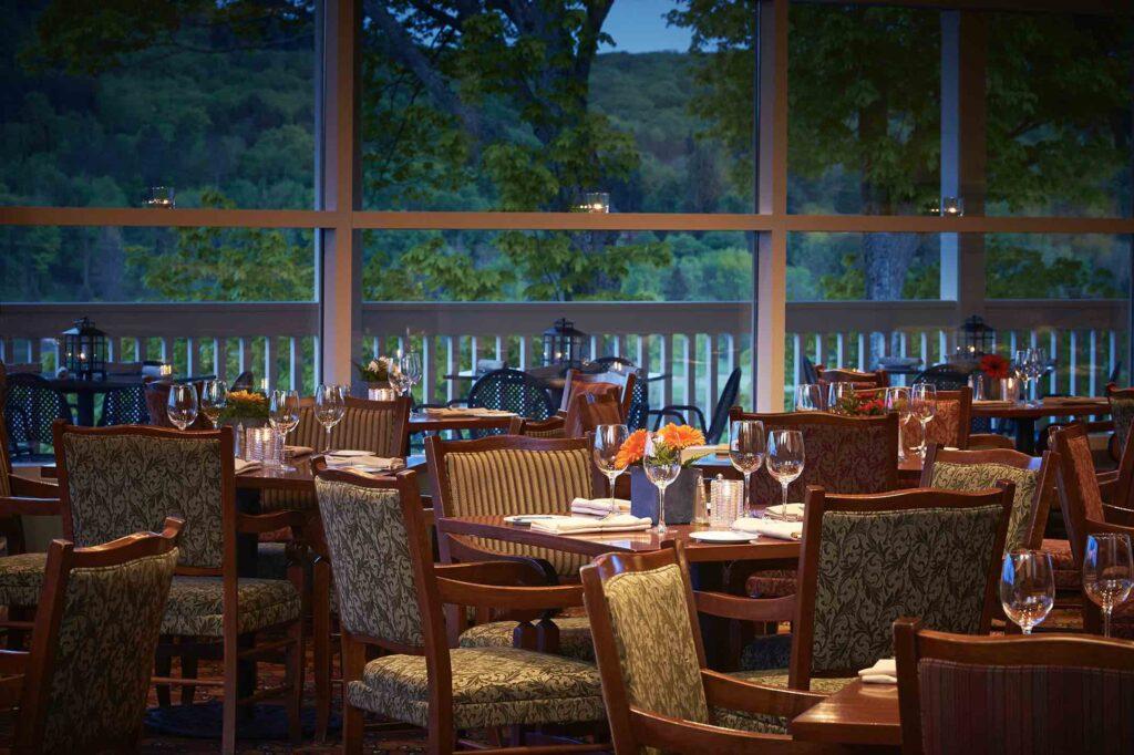 Eclipse Restaurant Deerhurst Resort