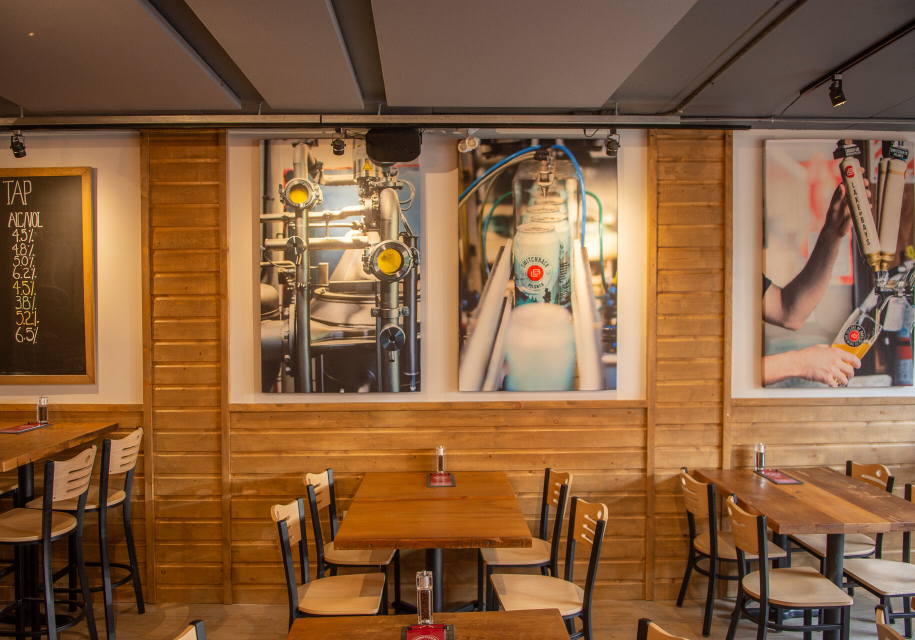Top Huntsville Restaurants interior of Huntsville Brewhouse